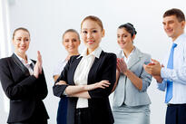 applauding_business_people
